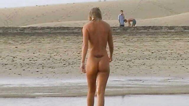 Adulte pas d'inscription  Charlotte aux gros seins se film x regarder gratuitement fait prendre à l'extérieur