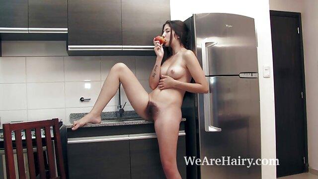 Adulte pas d'inscription  Jeune collègue brune guillerette porno xxl streaming joue avec un gros jouet au bureau