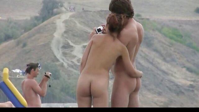 Adulte pas d'inscription  Footjob film porno en str interracial chaud et sexe en extérieur