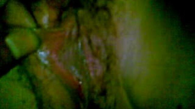 Adulte pas d'inscription  Japonais Domme en Latex streaming x porno punit son esclave masculin