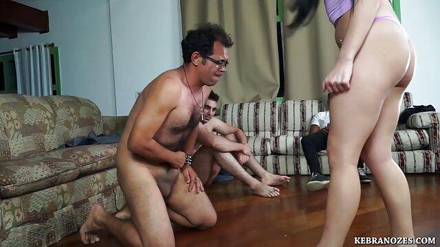 Adulte pas d'inscription  Lucky Guy obtient 2 petites Teengirls laver sa voiture film porno en streaming ctoan