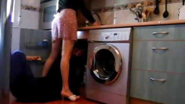 Adulte pas d'inscription  Mamie se fait baiser dans une film porno italien en streaming maison de retraite