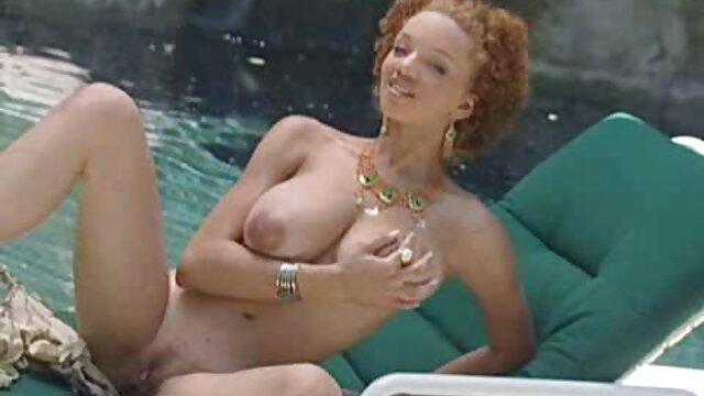 Adulte pas d'inscription  Blonde aux gros film x complet en francais streaming seins fait une pipe à deux mecs