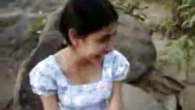 Adulte pas d'inscription  Camgirl joue ses trous avec une bouteille et films streaming x gratuits un gros gode