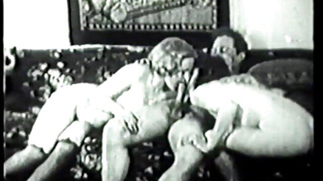 Adulte pas d'inscription  Sammie Sparks se penche et la prend en levrette film porno français complet streaming