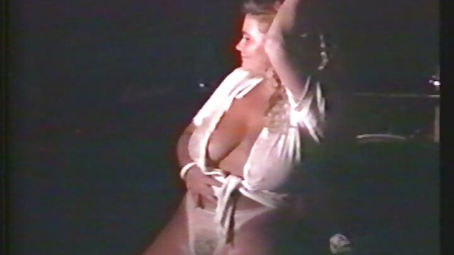 Meilleur porno sans inscription  Brunette avec des bottes en cuir regarder video porno streaming a des relations sexuelles anales