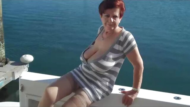 Adulte pas d'inscription  MMy sexy film x streaming vf Piercings Emo abbe suce une bite percée