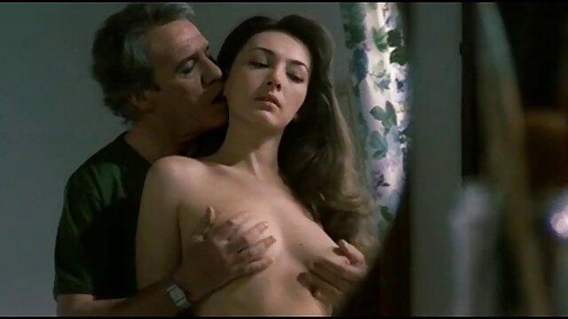 Adulte pas d'inscription  Chunky Lezbos Adriana film porno fr streaming et Niki échangent des léchage de chatte