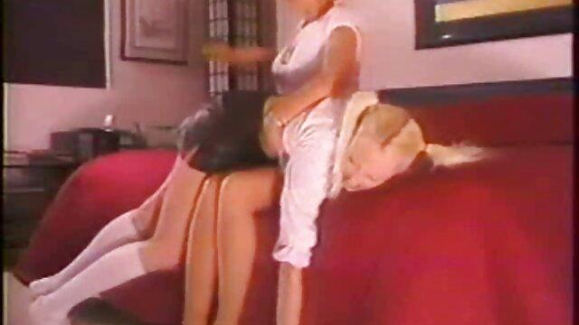 Adulte pas d'inscription  MILF rousse vidéo porno gratuite en streaming se fait lécher sa boîte juteuse par un étalon noir