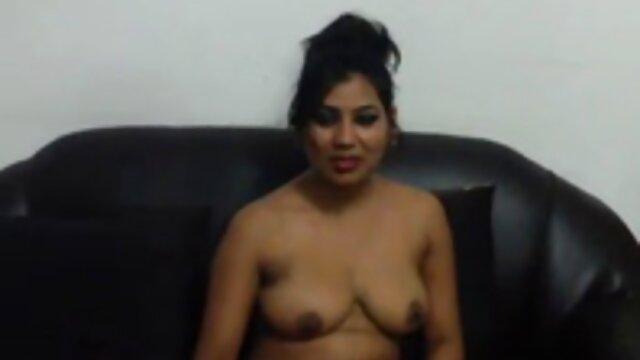Adulte pas d'inscription  Angie, russe poilue, montre film porno gratuit stream sa chatte poilue à l'extérieur