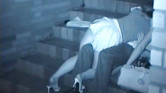 Adulte pas d'inscription  Amateur poilue se fait tailler x video streaming gratuit et se raser