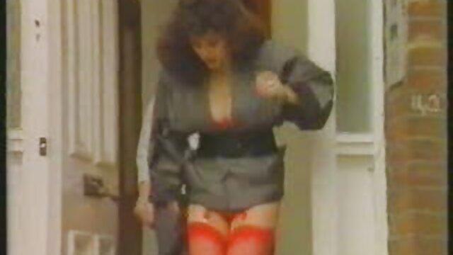 Adulte pas d'inscription  Nadia aime la baise anale BVR porno film francais streaming