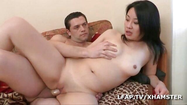 Adulte pas d'inscription  brune chaude en action site gratuit pour film x anale dure